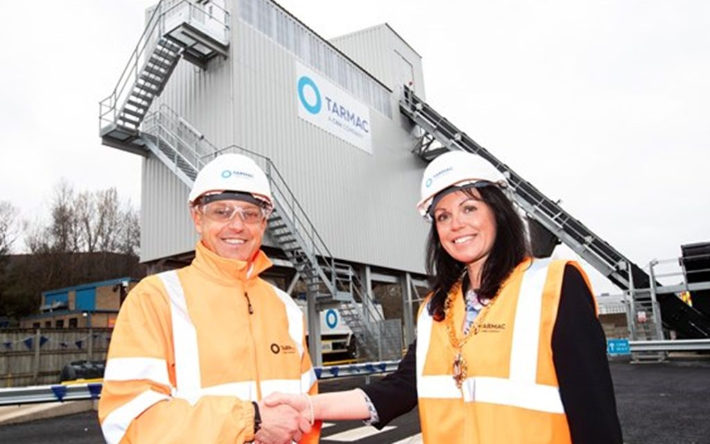 Gateshead Mayor opens new Tarmac one stop shop for asphalt in the town