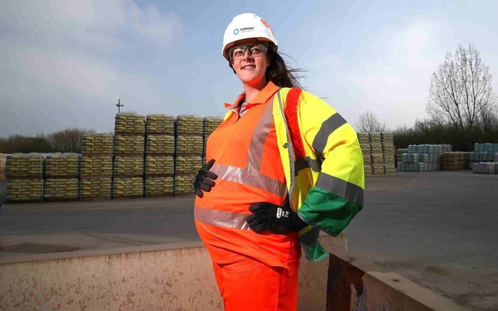 Tarmac becomes one of the first UK major construction companies to offer maternity high-visibility PPE