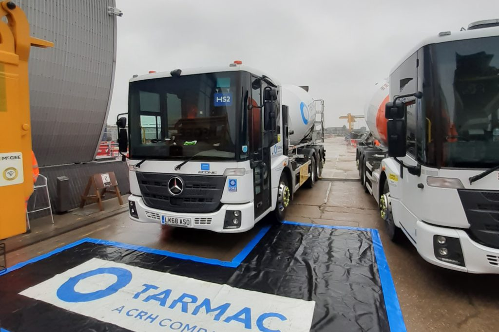 Tarmac teams up with supply partners for road safety event